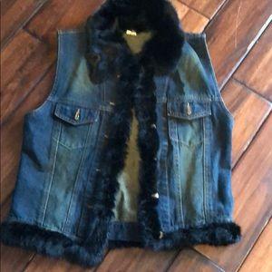 Jean vest for trimmed